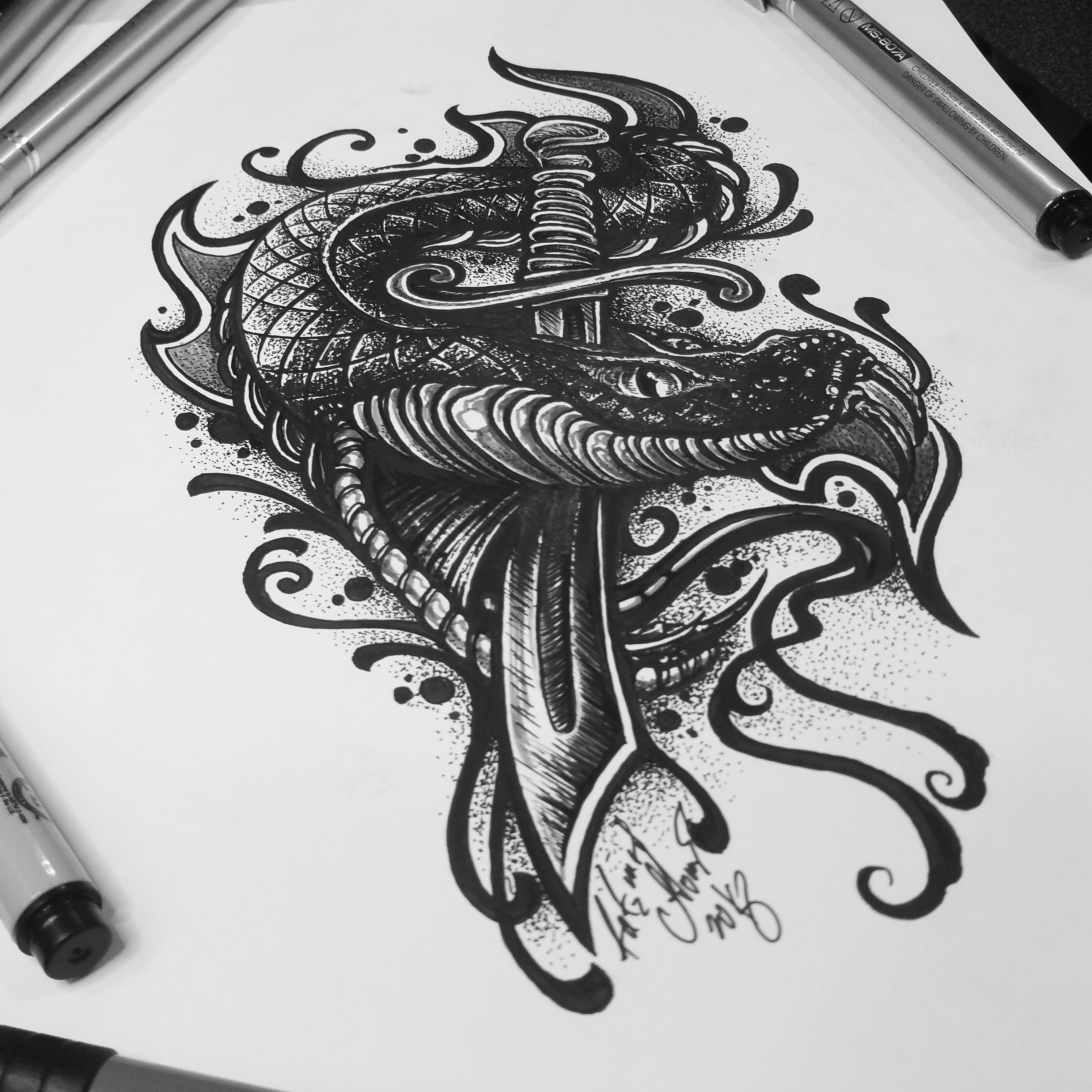 тату эскиз змея с кинжалом