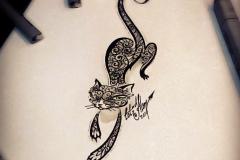 тату эскиз кошка орнамент