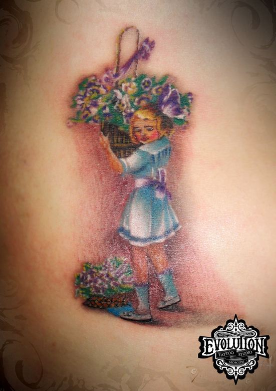 girl-with-flowers-tattoo