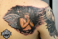 Tatto-angel-with-wings