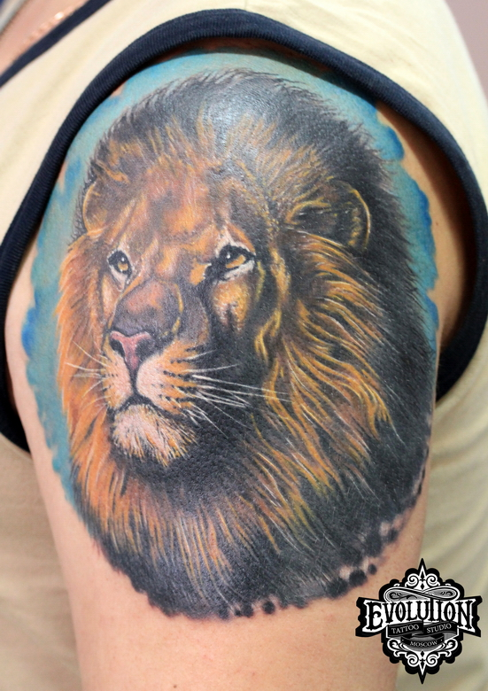 Tattoo-lion-on-arms